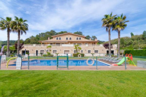 HomeHolidaysRentals Lirica